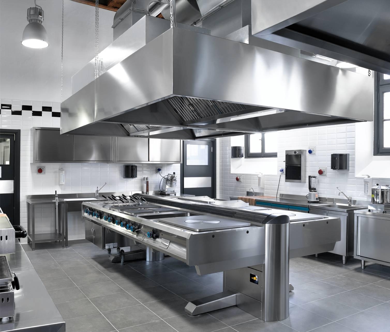 Cessione d 39 azienda ristorante cocktail bar ostia lungomare for Equipement cuisine