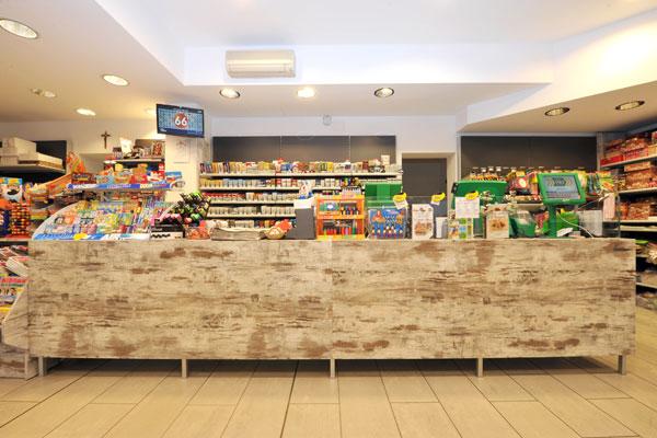 Cessione d 39 azienda tuscolana bar tabacchi for Arredamento bar tabacchi prezzi
