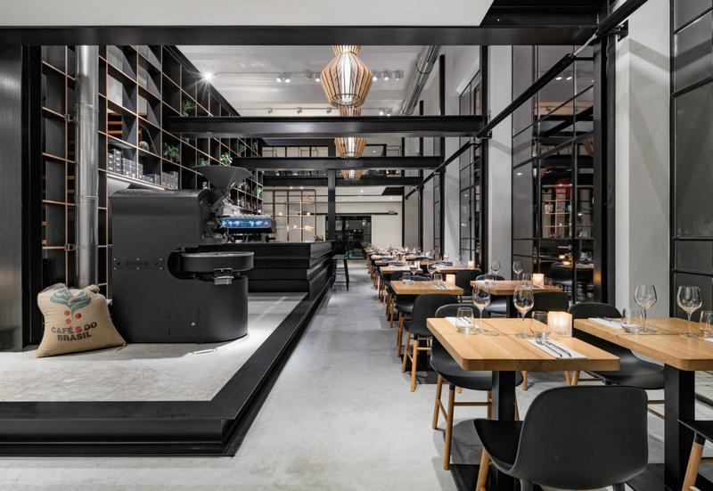 Cessione d 39 azienda via tuscolana ristorante lounge bar for Archi arredo roma