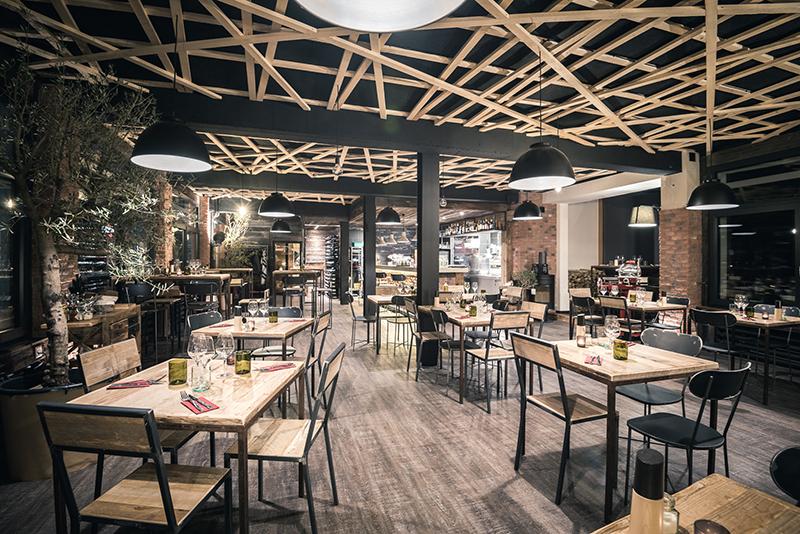 Cessione d 39 azienda via tuscolana ristorante lounge bar for Arredamento stile industriale roma